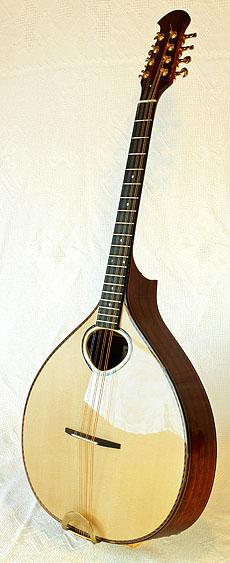 Citterns and bouzoukis